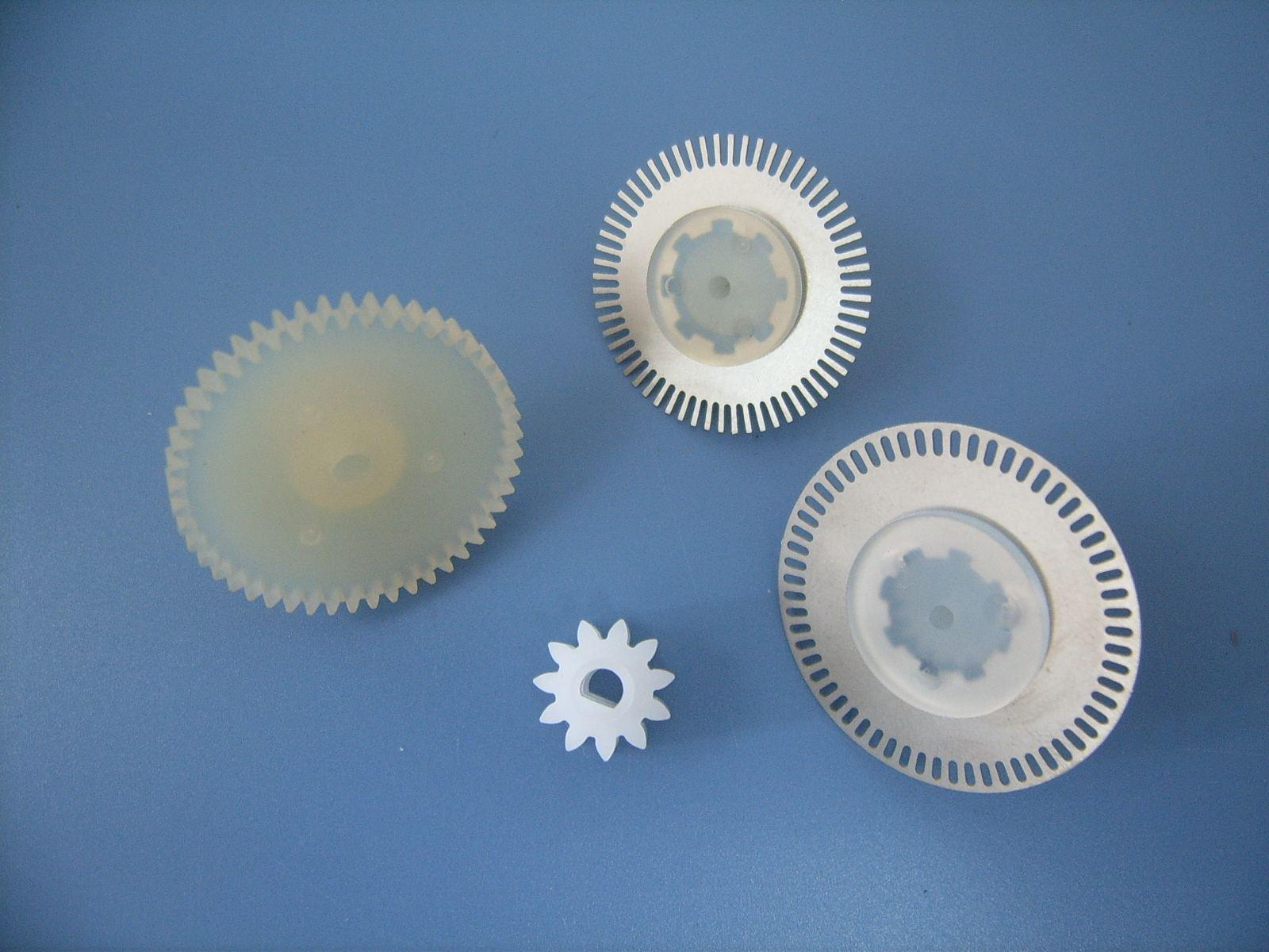 塑料工件测量如何做到不变形?一键得出测量数据