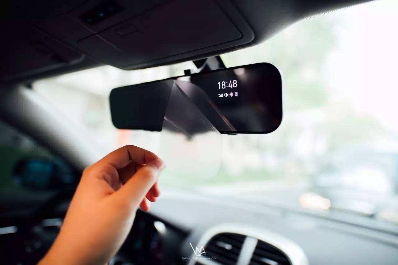 激光测量内后视镜玻璃平面度,清晰掌握后车间距