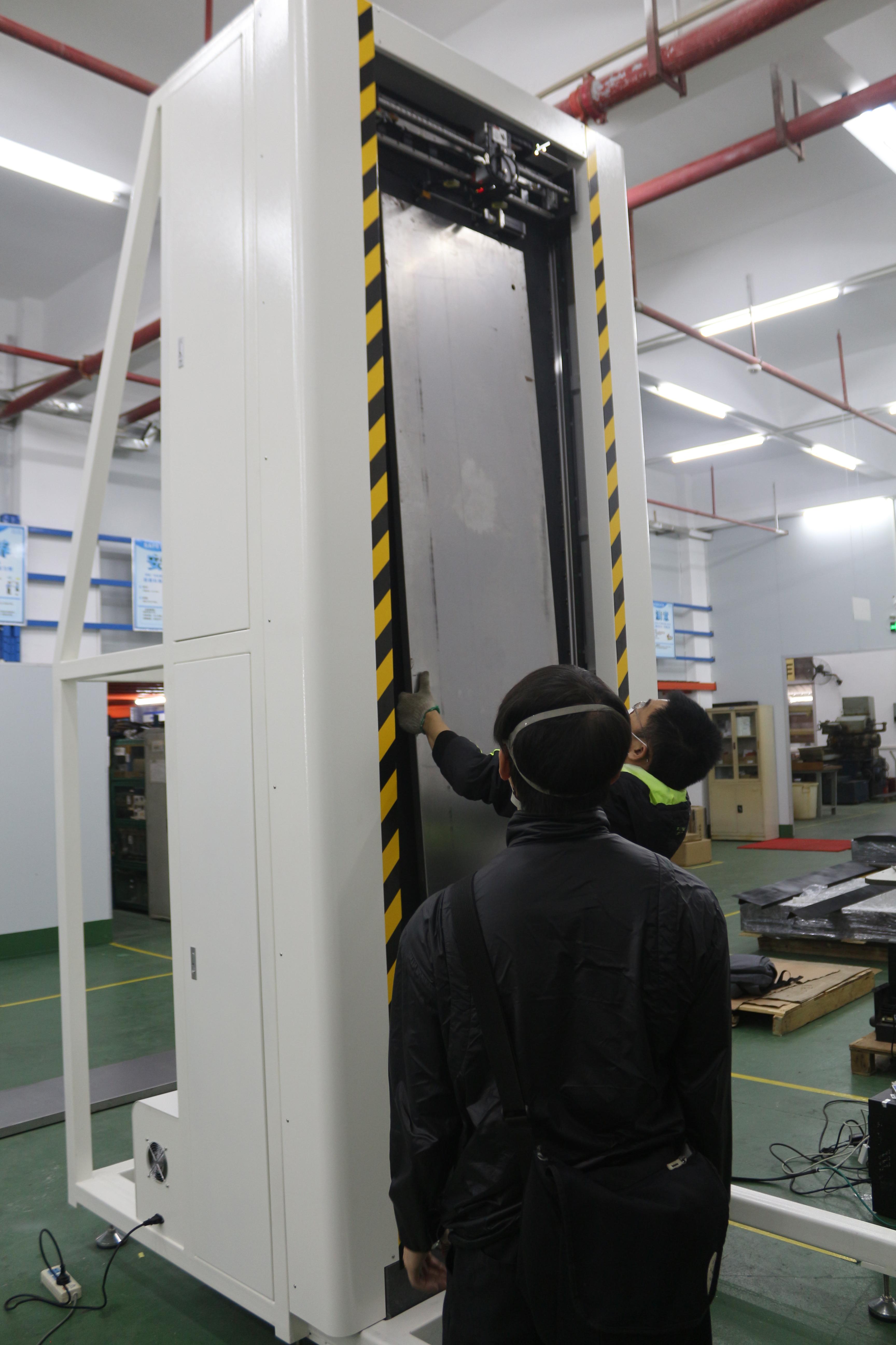 金属板立式平面度测量机,极志推出金属门板平面度翘曲度的测量利器
