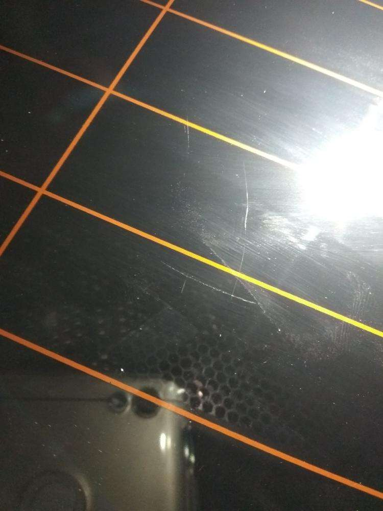 极志玻璃划痕自动检测设备,替换人工检测大幅度提升效率