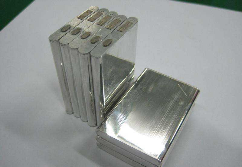锂电池电芯压制检验:平面度测量