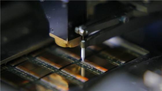 芯片封装基板厚度测量,上下激光实时高精度测量