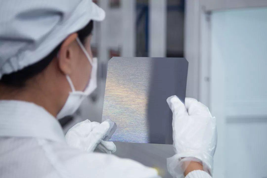 硅片瑕疵检测,机器视觉代替人工大幅提升效率