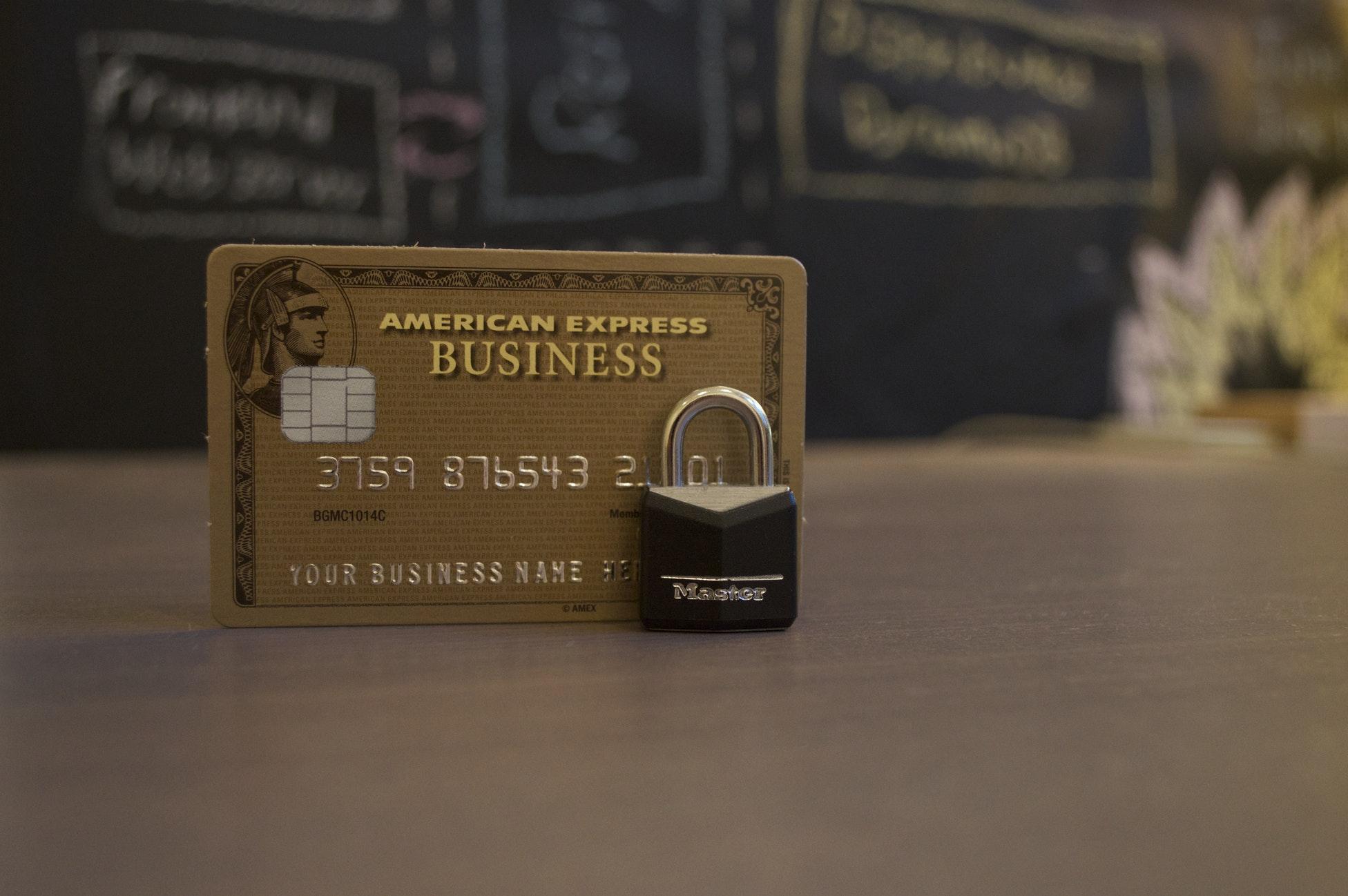 """银行卡之殇:平面度不够,还怎么""""刷我滴卡"""""""